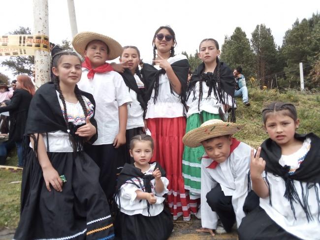 Dia del Campesino, Agrupación Los Olarteñitos
